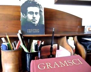 gramsci-desk
